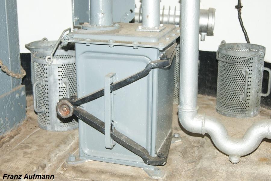 Fot. 8. Gazoszczelny zbiornika na łuski w szybie kopuły.