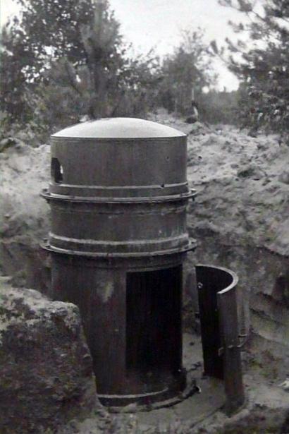 Fot. 02. Archiwalne zdjęcie kopuły, testowanej w 1934 roku na poligonie w Rembertowie [1]