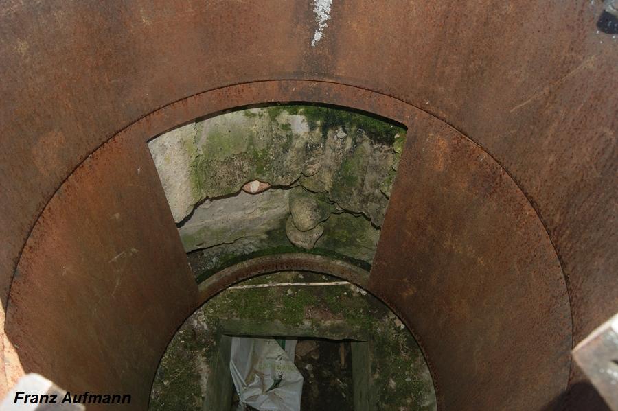 Fot. 05. Widok podstawy kopuły z bocznym wejściem.