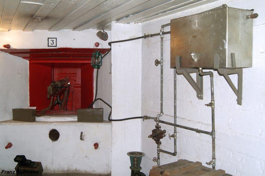 Fot. o1. Widok zrekonstruowanego układu chłodzenia ckm w schronie nr 39 II linii obrony w Świętochłowicach.