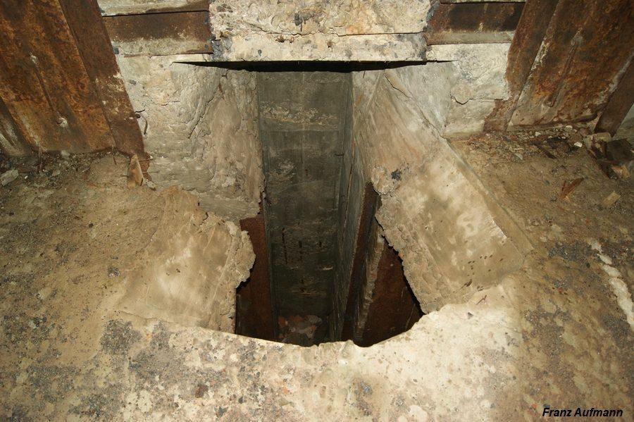 Fot. Otór technologiczny na rzutnię łusek do zbiornika, znajdującego się poniżej fundamentu schronu.