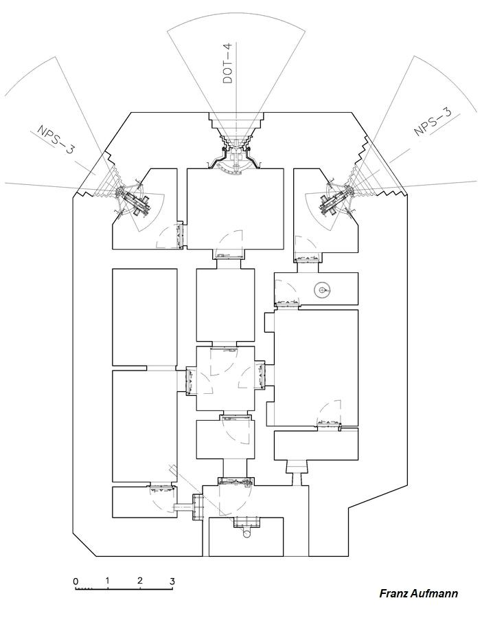 Rys. jednokondygnacyjny schron na dwa ckmy i 45 mm armatę w centralnej izbie.