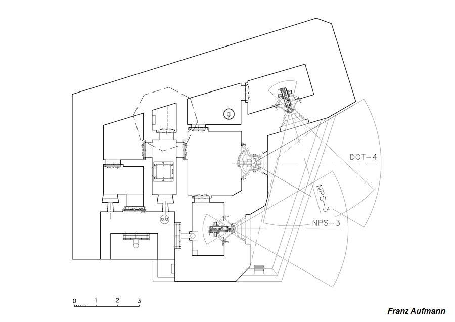 Rys. Schemat górnej kondygnacji schronu dla armaty przeciwpancernej i ckm (OPPK) do ognia bocznego i ze stanowiskiem ckm w orylonie. Na rysunku nie zaznaczono drugiej czerpni powietrza.