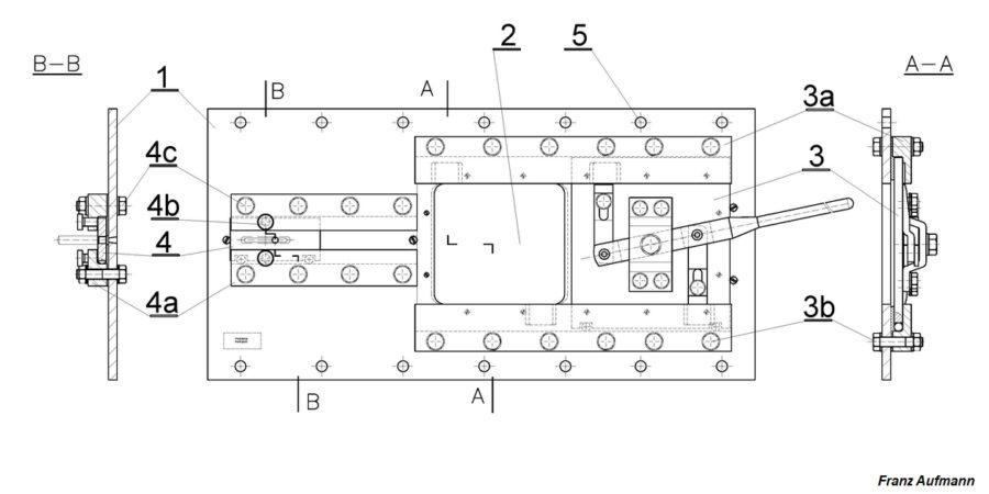 Rys. 01. 2 cm płyta stalowa ze strzelnicą dla ciężkiego karabinu maszynowego i przeziernikiem do obserwacji sektora ognia (1932).